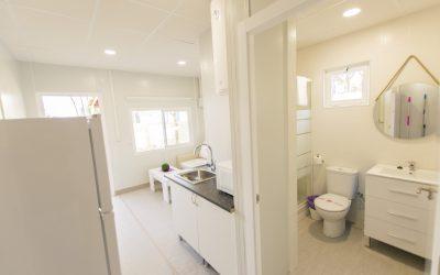 LB Apartamento Chiclana pasillo cocina baño