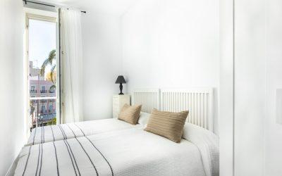 PA Apartamento Cádiz dormitorio dos camas con vistas