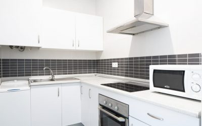 PA Apartamento Cádiz cocina blanca