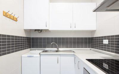 PA Apartamento Cádiz cocina blanca 2