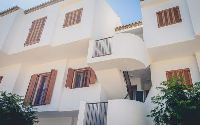 RC Apartamentos Chiclana exterior escaleras