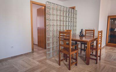 RC Apartamentos Chiclana mesa comedor
